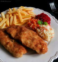 Tradycyjna Smażona Ryba w Chrupiącej Panierce - Przepis - Słodka Strona Garlic Bread, Fish Dishes, Fish And Seafood, Salmon, Good Food, Food And Drink, Chicken, Dinner, Cooking