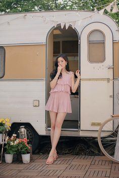 milkcocoa Korean Fashion Dress, Korean Fashion Summer, Ulzzang Fashion, Korean Street Fashion, Asian Fashion, Fashion Beauty, Teen Fashion Outfits, Fashion Models, Pretty Outfits