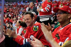 Vince Vaughn cheers on the #Blackhawks at Game 4 of the Stanley Cup Final.
