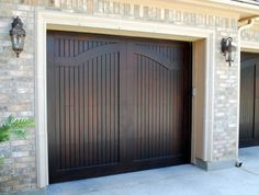 View A Few Garage Door Examples From Our Extensive Photo Gallery.