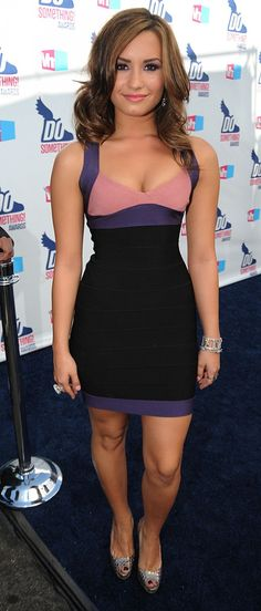 VH1 Do Something! Awards 2010 - Demi Lovato wearing a  Hervé Léger dress
