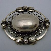 "GEORG JENSEN BROOCH # 91, STERLING SILVER Condition: fine vintage, preowned Year: after 1945 Size: about 2 "" wide"