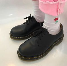 DOC'S & SOCKS: The classic 1461 shoe, worn by txtumx_