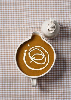 Resep | Francois Ferreira se Sondagtafel: Witwortel-sop met 'n winterbyt
