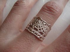 Lilibet Lace ring in sterling silver-featured at Anthropologie op Etsy, 84,09 €