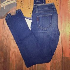 Paige Peg Straight Dark Wash Skinny Jeans Size 27 Peg Skinny Jeans. They fit more like a 28 because they are a little to big for me. They have a little stretch but not stains or rips. Paige Jeans Jeans Skinny
