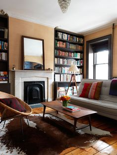 traditional homes turned modern loft style | ... Mid Century Modern Blog.: Mixing Mid Century with Traditional Design