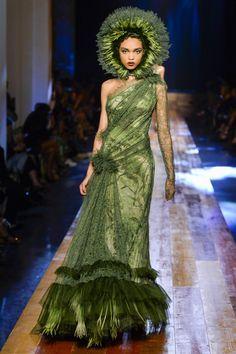 Jean Paul Gaultier Fall 2016 Couture Fashion Show - Samantha Archibald