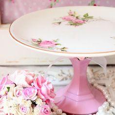 Cake stand, vintage pink.