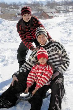 193-1 - Gjesdal Norway, Christmas Sweaters, Scandinavian, Folk, Hipster, Knit Scarves, Culture, Afghans, Knitting