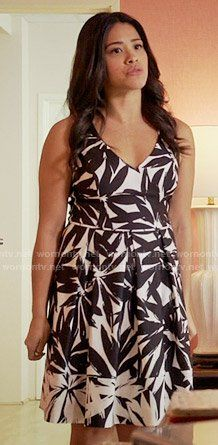 Jane's black and white leaf print dress on Jane the Virgin