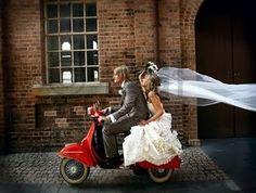 Chasing Rainbows Kissing Frogs: Vespa for Wedding Wedding Pictures Beach, Wedding Photos, Wedding Ideas, Vintage Corset, Vintage Dresses, Vespa Wedding, Wedding Cars, Trendy Wedding, Dream Wedding