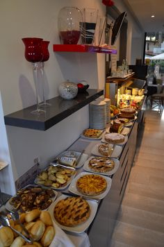 Buffet Colazioni - Logonovo Hotel Hotel, B & B, Chocolate Fondue, Buffet, Breakfast, Desserts, Food, Morning Coffee, Tailgate Desserts