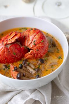 Zuppa thai all'astice e bollicine Valdobbiadene DOCG @lennesimoblog Asian Recipes, Ethnic Recipes, Thai Red Curry, Lobsters, Crabs, Seafood, Calamari, Dinners, Vegan