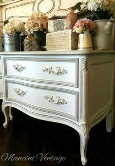 #mancinivintage #paintedfurniture #romantic #white #frenchprovincial #frenchcottage #cottage #elegant #gray #coco #vanilla #creme #cream