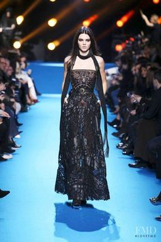 Photo feat. Kendall Jenner - Elie Saab - Autumn/Winter 2016 Ready-to-Wear - paris - Fashion Show | Brands | The FMD #lovefmd