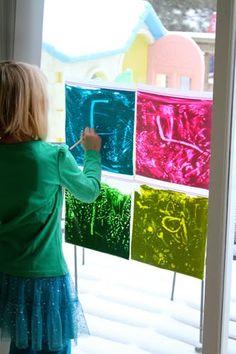 Toddler Art Activity: Window Ziploc Painting - Kid Activities - Holly& Arts and Crafts Corner: Toddler Art Activity: Window Ziploc Painting - Summer Arts And Crafts, Toddler Arts And Crafts, Arts And Crafts For Teens, Art And Craft Videos, Art For Kids, Crafts For Kids, Art Activities For Toddlers, Craft Activities, Toddler Sensory Activities