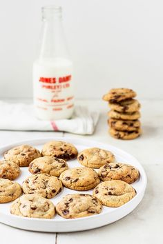 mbakes: How To Make A Perfectly Round & Thick Brown Butter Chocolate Chip Cookie + Recipe