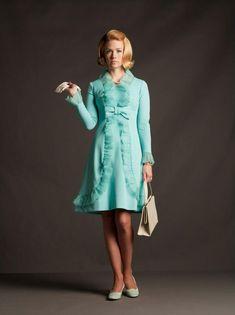 "January Jones, as Betty Draper, for ""Mad Men"". Costume design by Janie Bryant. Betty Draper, Don Draper, Vintage Men, Vintage Fashion, Retro Fashion, January Jones, Mad Men Fashion, Women's Fashion, 1950s"