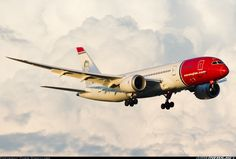 Norwegian Air Shuttle EI-LND Boeing 787-8 Dreamliner aircraft picture