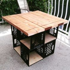 - Furniture for Kitchen - How Build a Folding Miter Saw Stand Milk crates Patio Table with storage (Diy Table Bois). Milk Crate Furniture, Pallet Furniture, Furniture Projects, Furniture Makeover, Diy Projects, Garden Furniture, Outdoor Furniture, Apartment Furniture, Furniture Storage