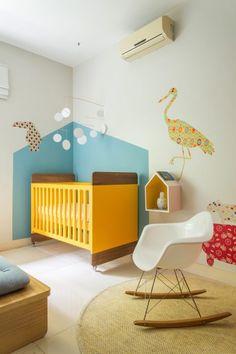 Os bichos e a natureza da Lagoa inspiraram Leila Bitencourt a planejar o quarto do bebê do casal. O projeto lançou papéis de parede e adesivos da OBA!