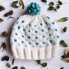 "Why ""loving""? Well, except for the obvious small hearts and the divine fluffiness, it is a very fast knit which allows you to create quickly a big volume of hats for a charity for example! Great to use these pieces of scrap yarn too."