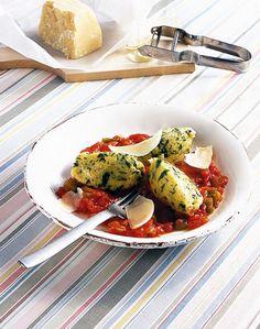 Grießnocken mit Tomatensauce