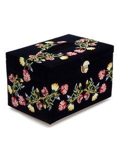Wolf Designs Zoe Large Jewelry Box - New Ideas Large Jewelry Box, Big Jewelry, Jewelry Case, Jewelry Stand, Modern Jewelry, Stone Jewelry, Jewelry Ideas, Wedding Jewelry, Diamond Jewelry