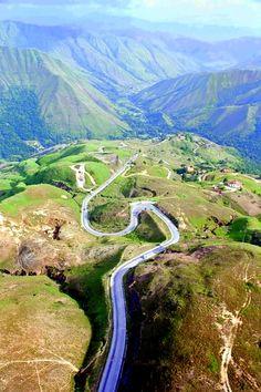 Carretera trasandina. Andes venezolanos.                                                                                                                                                      More