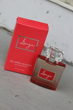 Robin McGraw's new fragrance for HSN is SOOO good. A great signature fragrance!