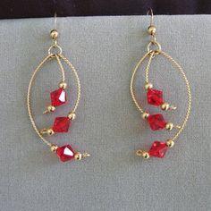 Crystal jewelry Wire-Wrapped Earrings with Red Swarovski Crystals Wire Jewelry Designs, Handmade Wire Jewelry, Jewelry Patterns, Earrings Handmade, Jewelry Crafts, Bead Jewellery, Crystal Jewelry, Beaded Jewelry, Dainty Jewelry