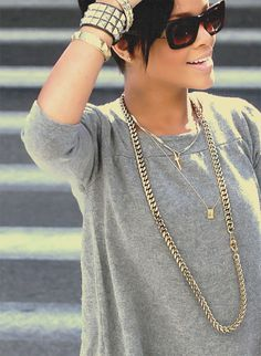 chain.braclet. Solid Gold. Gray Over-sized Shirt
