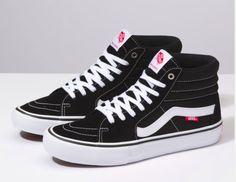 Vans Pro Schwarz / Weiß Skateschuhe Hi-Tops Vans Skate Hi, Mens Skate Shoes, High Top Vans, High Top Sneakers, Cute Shoes, Me Too Shoes, Vans Sk8 Hi Pro, Tenis Vans, Shoes Wallpaper