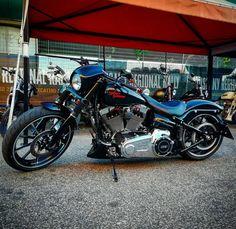 Harley Davidson News – Harley Davidson Bike Pics Harley Davidson Chopper, Harley Davidson Motorcycles, Custom Motorcycles, Custom Bikes, Biker Clubs, Motorcycle Clubs, Motorcycle Rallies, Custom Harleys, Pedal Cars