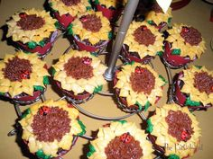 Sunflower Party Feature by @The Partiologist #sunflower #sunflowerparty #diyparty #party