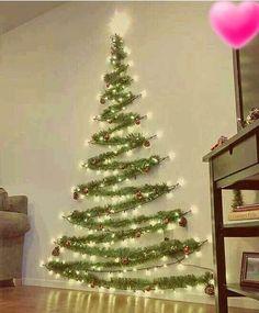 """135 curtidas, 5 comentários - MÁRCIA REGINA  (@meu_lar_2017) no Instagram: """"Não precisa gastar muito para ter uma árvore de natal linda.  #arvoredenatal #natal…"""""""