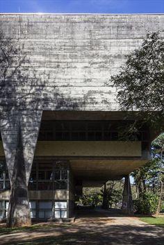 Faculdade de Arquitetura e Urbanismo - FAU| São Paulo-SP, Brasil | Arquiteto: Vilanova Artigas e Carlos Cascaldi