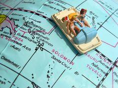 Mit dem Tretboot um die Welt! oder wenigstens mit einem Modell davon um den Globus :) Die Mini-Figuren für Fotografie und Architektur-Modellbau findest Du bei NOCH kreativ auf www.noch-kreativ.de