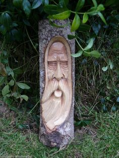 WOODEN GREEN MAN LOG CARVING WALL PLAQUE.29cm. Sanctuary-witchcrafts