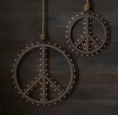 Restoration Hardware's Vintage Illuminated Marquee Peace Sign :Inspired by letters that once graced a theater marquee, our peace sign is similarly dazzling and grandly sized. Crafted of steel, it has a warm, weathered finish with an aged patina. Hippie Peace, Hippie Life, Hippie Art, Hippie Things, Happy Hippie, Hippie Style, Emo, Peace On Earth, World Peace