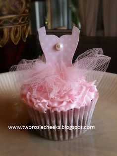 Two Rosie Cheeks - adorable cupcake topper made with the SU Dress Up framelits