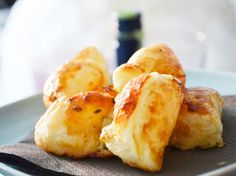 Dieses unglaublich einfache und beliebte Rezept für die #Blätterteigtaschen mit Käsefülle macht Ihre Party zum absoluten Kracher.