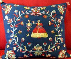 Wedding cushion from Frösön in Jämtland, Sweden. Wool embroidery kit by Brodera mera