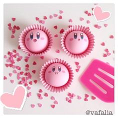 You want a cupcake?! #kirby #cute #nendoroid #kawaii #lovely #girly #nintendo #pink #figure #goodsmile #goodsmilecompany #figurine #love #rose #geekette #カービィ #france #ねんどろいど