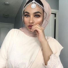 I wasn't done posting my Eid pictures lol. Hijab Makeup, Hair Makeup, Eye Makeup, Eid Pics, Eid Pictures, Muslim Fashion, Hijab Fashion, Simple Hijab, Hijab Style