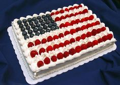 Fourth of July Dessert: American Flag Cake Recipe. Show off your patriotic spirit with this perfect cake made from blueberries, raspberries and goodness! #4thofJuly #FourthofJuly #recipes #desserts http://stagetecture.com/2014/06/fourth-of-july-dessert-flag-cake/