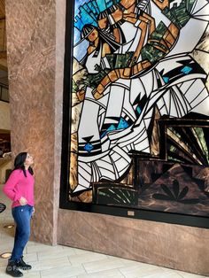 Hilton Santa Fe Buffalo Thunder has an art gallery in its lobby, mixing traditional native culture with modern amenities. Women's Casual, Casual Outfits, Santa Fe Plaza, Santa Fe Springs, Visit Santa, Unique Hotels, Vacation Style, Native Art, Women's Jeans