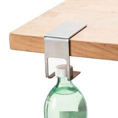 テーブルにペットボトルを「吊るす」ハンガー【Discreet】