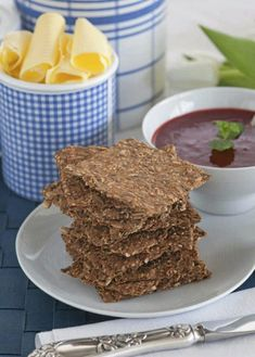 Homemade and healthy Knekkebrød Bread Recipes, Cooking Recipes, Norwegian Food, Scandinavian Food, Recipe Boards, Grubs, Food And Drink, Healthy Eating, Low Carb